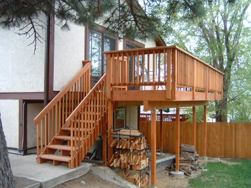 custom-deck-construction-08