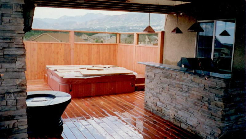 custom-deck-hot-tub