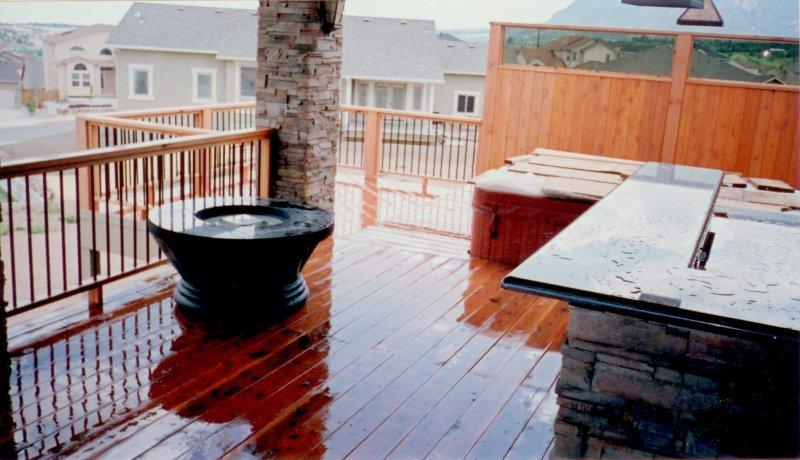 custom-natural-wood-deck