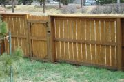 residential-fence-construction-15