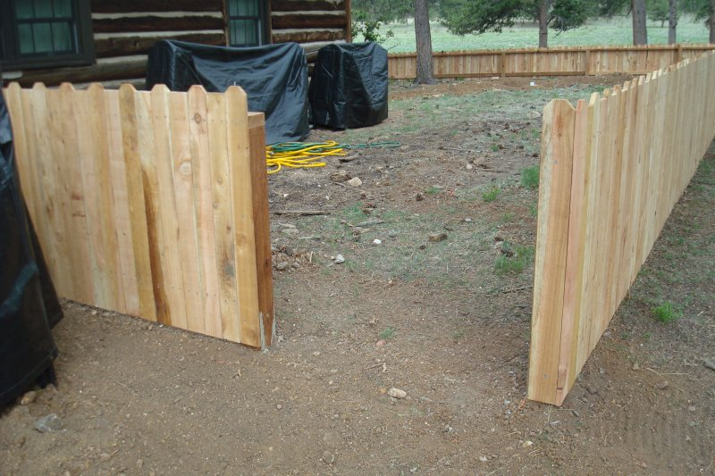 residential-fence-construction-01