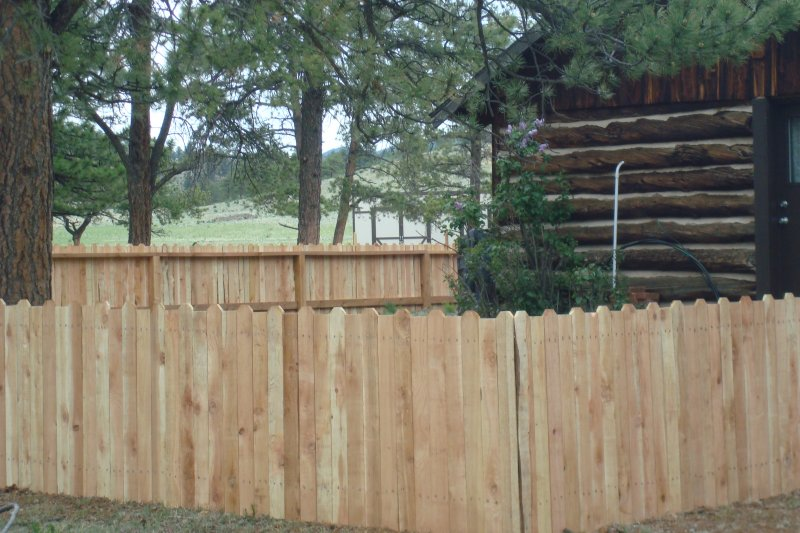 residential-fence-construction-03