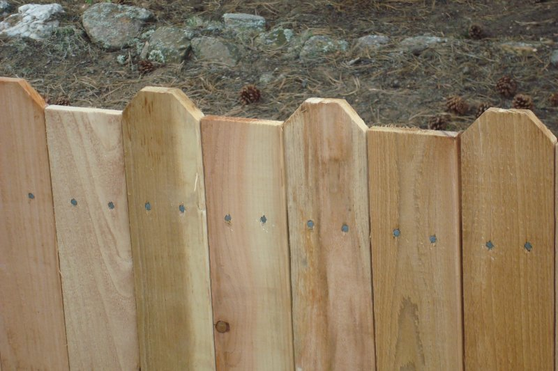 residential-fence-construction-04