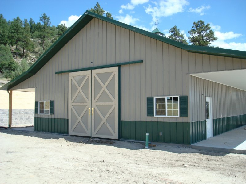horse-barn-stables-01